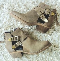 """This little Bootie is a No-Brainer style """"Cinch"""" ... from Steve Madden"""
