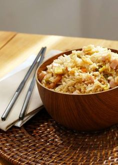 Arroz tres delicias | Cocinatis Macaroni And Cheese, Ethnic Recipes, Food, Vegetable Rice, Coconut Rice, Soy Sauce, Stir Fry, Mac And Cheese, Food Cakes