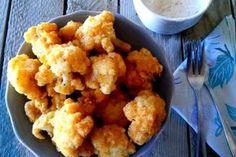 Μπουκίτσες κουνουπίδι με παρμεζάνα. Ή, αλλιώς, πώς να κάνω το παιδί μου να φάει κουνουπίδι. Ετοιμάζεται εύκολα, γρήγορα και μπορεί να φαγωθεί είτε ως σνακ ή ως συνοδευτικό του κυρίως γεύματος. Θ' αγαπηθεί και από τους μεγάλους. Food N, Deli, Cauliflower, Sweets, Baking, Vegetables, Ethnic Recipes, Drink, Beverage