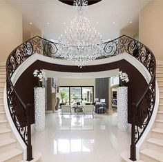 Look at this amazing, gorgeous grand entry way.