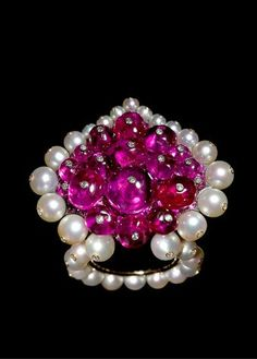 Modeconnect.com - A Mughal ring from 2008 made of rubies, pearls, diamonds, silver and gold. Made by jeweler Joel A. Rosenthal of JAR