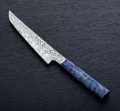 Blue Quilted Maple Sujihiki handmade chef knife in Damasteel by James Oatley. Shun Knives, Knives And Swords, Handmade Chef Knife, Handmade Knives, Shun Cutlery, Blacksmith Projects, Welding Projects, Samurai Swords Katana, Horseshoe Art