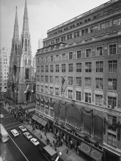 Exterior View of Saks Fifth Ave. Department Store.  Alfred Eisenstaed New York City NYC