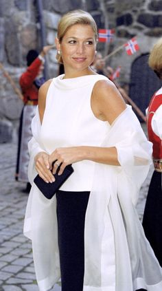 Máxima Zorreguieta, the fiancée of Willem-Alexander, the Prince of Orange, at Akershus Fortress, Oslo for the pre-wedding banquet, August 24th; wedding of Crown Prince Haakon of Norway and ms. Mette-Marit Tjessem Høiby, August 25th 2001