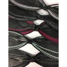 Création Zö Bracelet en cuir pour adulte - Fait au Québec Bracelet Cuir, Bracelets, Artisan, Boutique, Fashion, Recycled Leather, Locs, Accessories, Moda