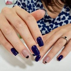 This nail art is simply amazing and easy to do # Nail Art for summers Cute Gel Nails, Shellac Nails, Glitter Nails, Manicure, Elegant Nails, Stylish Nails, Trendy Nails, Gel Nagel Design, Gel Nail Art Designs