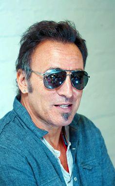 Bruce Springsteen  -  Bringing the  SIZZLE  .  sami