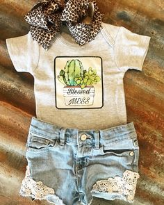 Western Fashion for Ranch and Rodeo kids and babies. Western Baby Girls, Western Baby Clothes, Baby Kids Clothes, Country Baby Clothes, Cute Baby Girl Outfits, Toddler Girl Outfits, Kids Outfits, Little Girl Fashion, Kids Fashion