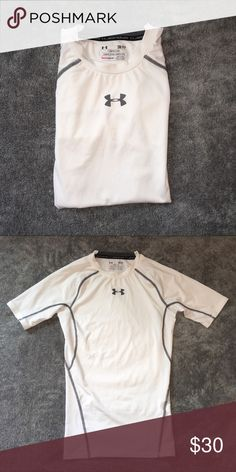 Under Armour Compression Top Under Armour Heat Gear - Size Small Under Armour Shirts Tees - Short Sleeve