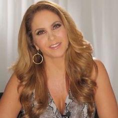 """Atriz mexicana Lucero é contratada pelo SBT para """"Carinha de Anjo"""""""