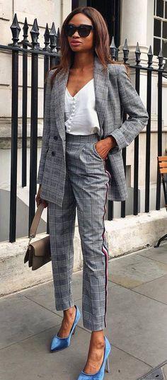 office style inspiration / plaid suit + top plsu bag + heels #omgoutfitideas #styleblogger #styleinspiration