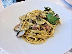 Vakre Sicilia – Roadtrip i 8 dager! I 8, Catania, Christmas Lights, Road Trip, Ethnic Recipes, Food, Christmas Fairy Lights, Road Trips, Eten
