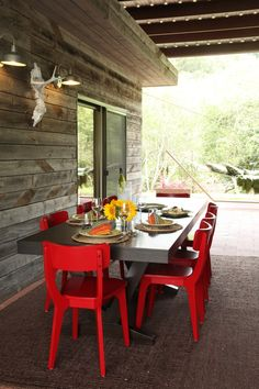 Spruce up your grassy space with these 15 outdoor dining tables that will look fabulous in your backyard dining area for the summer. Red Dining Chairs, Patio Dining, Patio Chairs, Outdoor Dining, Outdoor Chairs, Dining Room, Dining Tables, Outdoor Spaces, Dining Area
