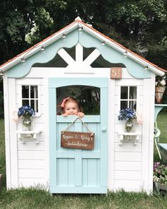 Wooden Playhouse Mak