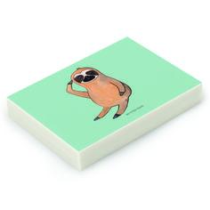 Radiergummi Faultier Vogel zeigen aus Natur Kautschuk   weiß - Das Original von Mr. & Mrs. Panda.  Die einzigartigen Radiergummis von Mr. & Mrs. Panda sind wirklich sehr besonders - sie werden komplett in deutschland gefertigt und von uns in der Manufaktur liebevoll bedruckt. Die Größe beträgt 46 mm x 33 mm und es handelt sich um ein hochwertiges, deutsches Markenprodukt.    Über unser Motiv Faultier Vogel zeigen  Was gibt es bitte cooleres, als ein Faultier? Mr. & Mrs. Panda war daher klar…