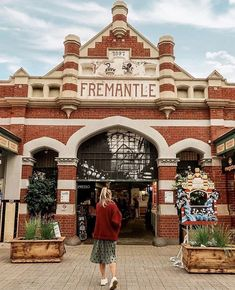 Looking for information about Fremantle accommodation and things to do in Fremantle? Fremantle Visitor Centre offers a no fee booking service for accommodation and tours in Fremantle, Perth and Western Australia. Western Australia, Australia Travel, Travel Around The World, Around The Worlds, Blue Building, To Do This Weekend, Instagram Snap, Iconic Photos, Wonderful Picture
