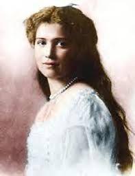 Dit is Maria Romanov. Een van de 4 meisjes