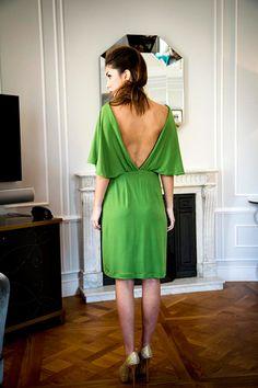 Primavera Verano 2015. Vestido en punto de seda con cinturón joya mod. Vicky. Disponible en azul petróleo, verde y gris.