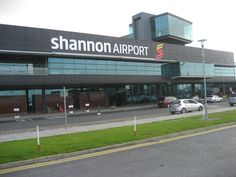 Shannon Airport - Gateway to the West of Ireland and the Atlantic - Skibbereen Eagle Ireland Vacation, Ireland Travel, Ireland Facts, Dublin Airport, Airline Flights, United Airlines, Just Dream, Irish, Places To Visit