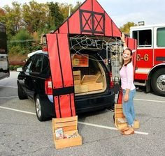 Charlottes Web Trunk or Treat design by Beyond the Cookie Clever Trunk or Treat Clever Trunk or Treat Ideas. Trunk or Treat design ideas. Trunk or Treat Family Halloween Costumes, Halloween 2017, Holidays Halloween, Halloween Kids, Halloween Treats, Happy Halloween, Halloween Decorations, Halloween Party, Outdoor Decorations