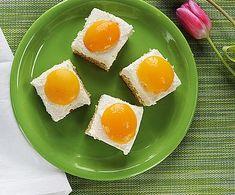 Marcipános aszalt szilvás stollen Bacon, Eggs, Breakfast, Food, Morning Coffee, Essen, Egg, Meals, Yemek