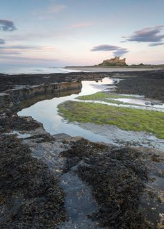 Bamburgh Castle, Northumberlad, England by Chris Dale  A popular landmark in Northumberland and somewhere you're very likely to be sharing with a few other photographers. It was a fairly low ...  https://f11news.com/26/06/2017/bamburgh-castle-northumberlad-england-by-chris-dale