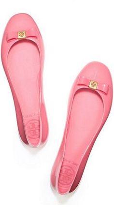 pink ballet flats. love!