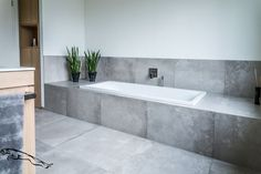 Wall Covering Bathroom Without Tile New Bathroom Without Tile Living Design - Swappingtons . Small Grey Bathrooms, Small Bathroom With Shower, White Bathroom, Bathroom Interior, Bad Inspiration, Bathroom Inspiration, Room Planner, Amazing Bathrooms, Interior Design