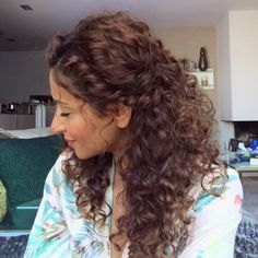 "Sarah Angius on Instagram: ""Something curly➿ Song: @justintimberlake - soulmate  #hairtutorial #sarahangius #curlyhairstyles"""