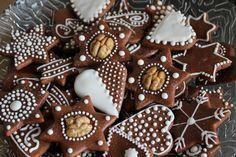 Fantastické mäkučké medové perníčky s chuťou škorice. Cesto sa vôbec nelepí, netrhá a je krásne jemné. Foto recept. Fun Cookies, Cake Cookies, Bread Display, German Cookies, Biscuits, Czech Recipes, Cake Bars, Bread Cake, Christmas Cooking
