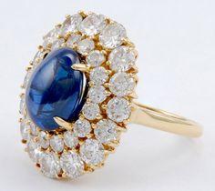 HARRY WINSTON Cabochon Sapphire & Diamond Ring