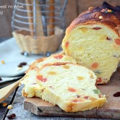 Cozonac de post cu rahat Romanian Food, Romanian Recipes, Pastel, Vegan Cake, Pound Cake, Vegan Recipes, Food And Drink, Sweets, Bread