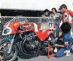The whole history of motorcycling in pics, until the Moto GP arrival. The Golden Years, Motogp, Cars And Motorcycles, Motorbikes, Honda, Racing, History, Vehicles, Sketch Ideas