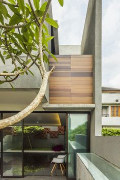 Lumber Shaped-Box House / Atelier Riri  ©Fietter Chalim