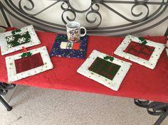 Prima colazione con disegni natalizi lavorazione patchwork.