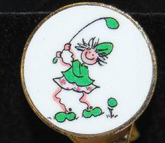 Swinging Golf Gals M