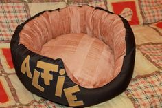 Handmade bed for cats/small size dogs,manually sewn and finished,made from natural materials, diameter 48 cm, depth 23 cm,filled with silicon fluff and comfortable for any furry pets.Removable cushion with 2 sides.Unique design! The round shape of the bed and high margins are ideal for squatting and provides a sense of security for the pet . The bed is washable at 30 ° C