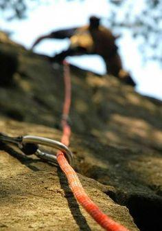 """""""Si la #montaña que subes parece que cada vez más imponente es que la #cima está cerca"""""""