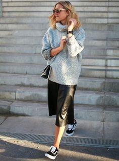 8 looks tão incríveis que vão convencer você a usar a dupla super fashion Midi + Tênis.