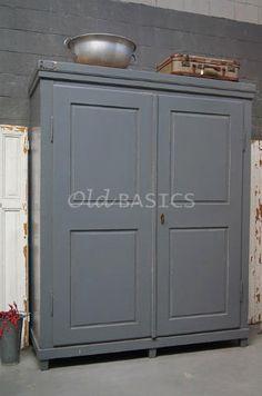 Linnenkast 10082 - Grote oude linnenkast met een mooie geleefde ...