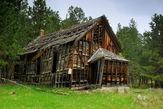 Well, my little teasers about the 1890 ghost town of Spokane seem to have drawn quite a bit of interest, so here's the rest of the story.  S...