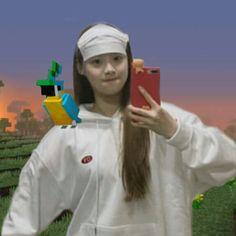Kpop Memes, Funny Memes, I Love Girls, Cool Girl, Pump It, Loona Kim Lip, Chuu Loona, Minecraft Memes, Poses
