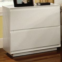 Pearl 2 Drawer Nightstand