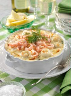 Snack Recipes, Snacks, Fish And Seafood, Lchf, Cheeseburger Chowder, Food Inspiration, Tapas, Recipies, Food And Drink