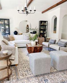 Rugs In Living Room, Home And Living, Living Room Designs, Room Rugs, Living Room Decor Traditional, Modern Traditional, Room Interior Design, Coastal Interior, Coastal Decor