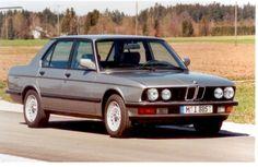 BMW 520i, aber in bluemetallic,  Glücksklee