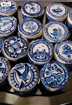 Cupcakes!     Kimberly Schlegel Whitman: I Heart Blue and White: Blue Willow China