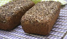 This is a typical South African bread recipe. It's healthy and delicious. Makes 1 loaf Ingredients 1 cup bran 4 cups wholewheat flour sunflower . Healthy Bread Recipes, Loaf Recipes, Healthy Breads, African Bread Recipe, Seed Bread, Bread Baking, Afternoon Tea, Food For Thought, Banana Bread