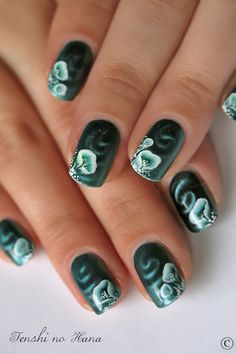 One stroke nail art on magnetic nail polish... #Unique