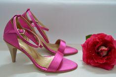 Ružové svadobné topánky, svadobné sandálky, sandálky na nízkom opatku, otvorená svadobná obuv. topánky na mieru Stiletto Heels, Shoes, Fashion, Zapatos, Moda, Shoes Outlet, La Mode, Shoe, Fasion